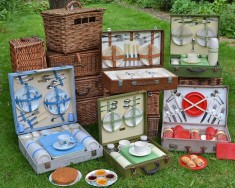 Picnic sets & hampers