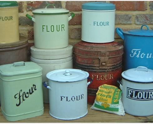 Flour & sugar bins