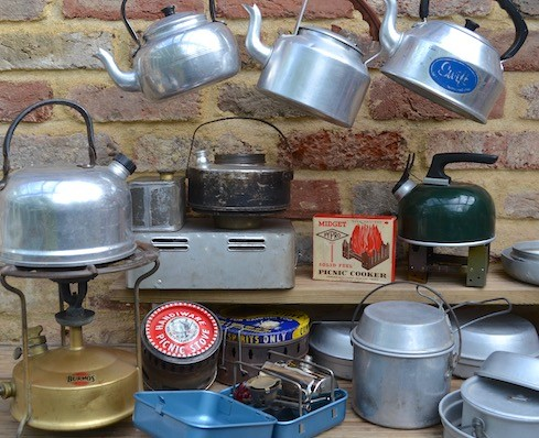 Stoves, kettles & pans