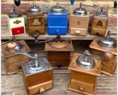 Box coffee grinders
