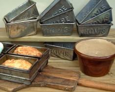 Loaf tins & peels