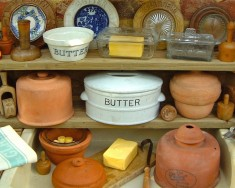 Butter coolers, dishes & bowls