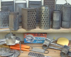 Graters & food mills