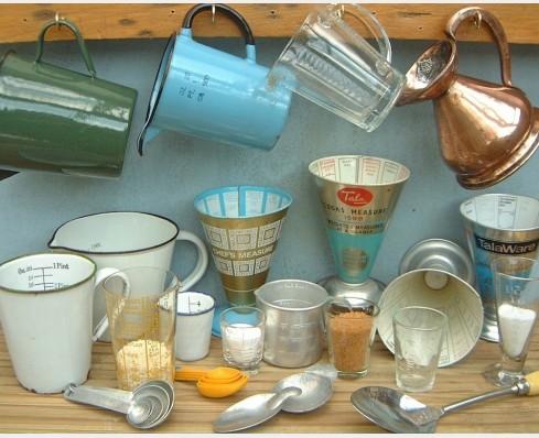 Cooks' measures & measuring jugs
