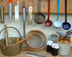 Spoons, strainers & thermometers